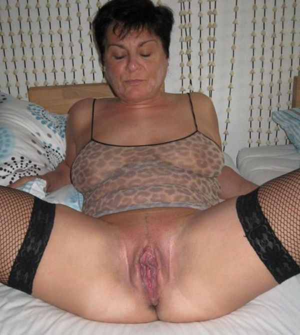 Dripping Wet Mature Pussy